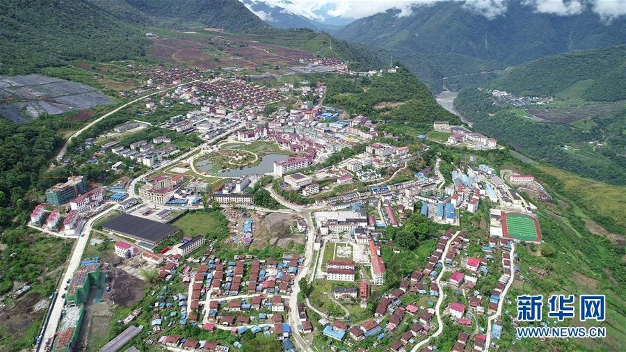 (新华全媒头条·图文互动)(9)阔步走在新时代康庄大道上——以习近平同志为核心的党中央关心西藏工作纪实